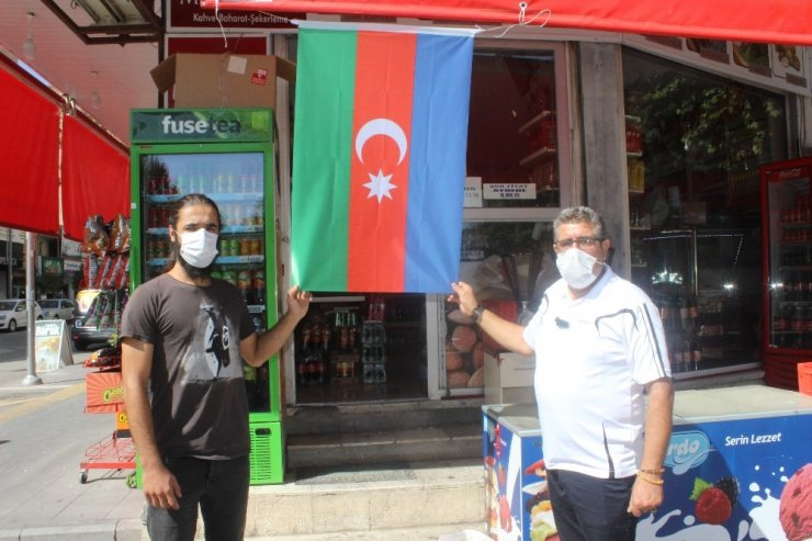 Esnaf Azerbaycan için tek yürek oldu