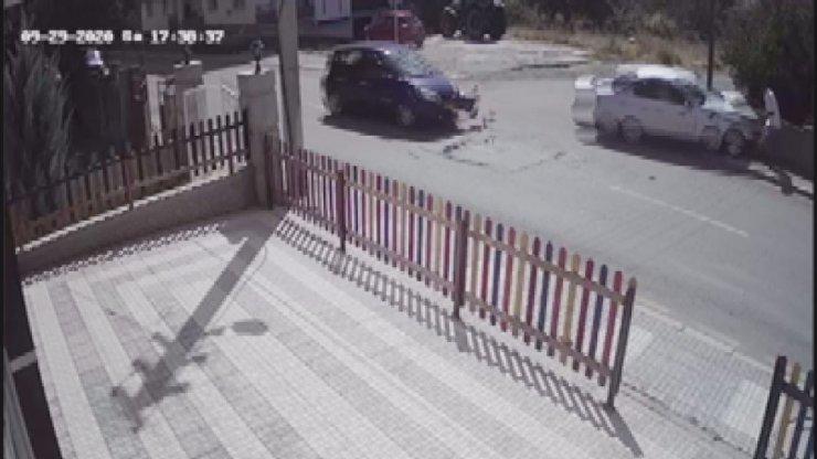 Otomobile ve yayaya çarpıp otomobilin üzerine böyle uçtu