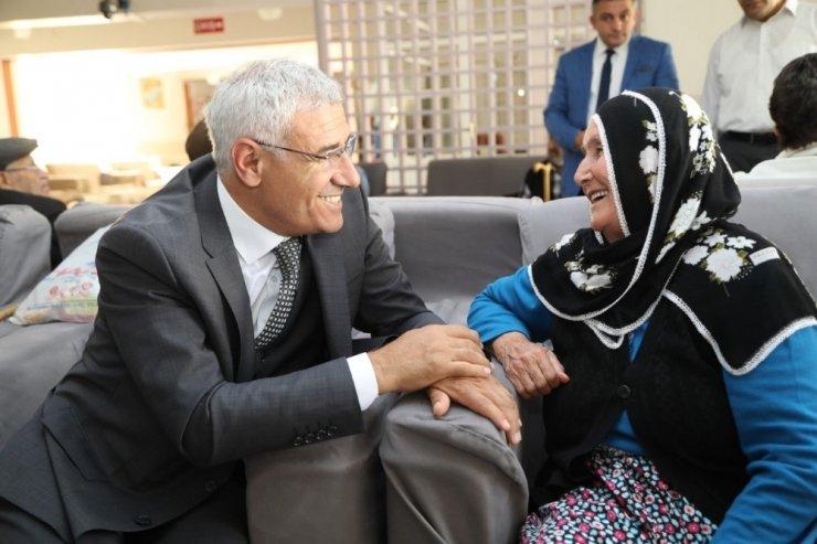Başkan Güder'den, Dünya Yaşlılar Günü mesajı