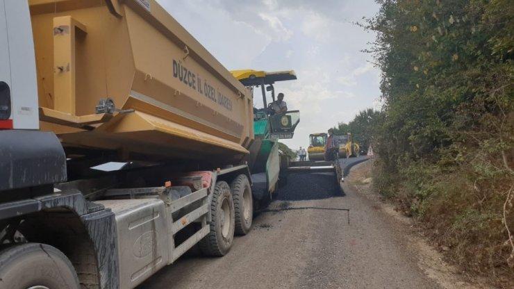 Köylerde asfalt çalışmaları hızlandı