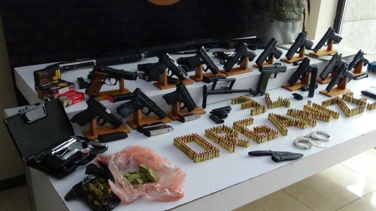 Esnaftan haraç toplayan çeteye İstanbul merkezli 4 ilde operasyon: 31 gözaltı