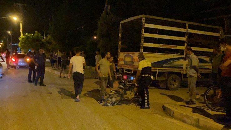 Samandağ'da pikap ile motosiklet çarpıştı: 1 yaralı