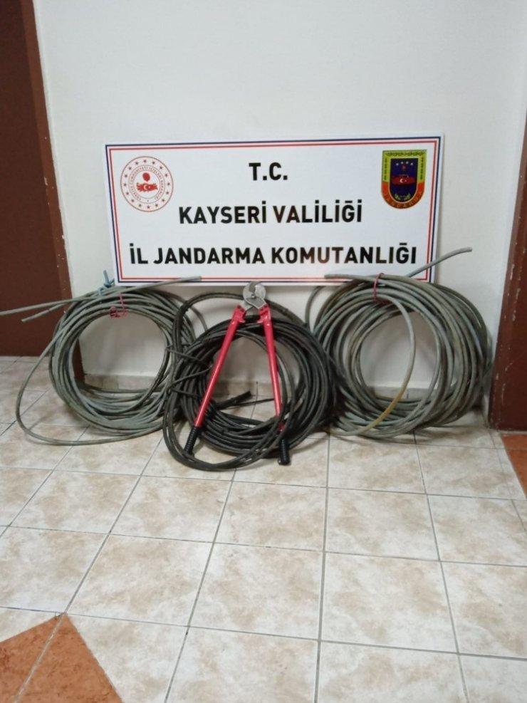 DDY'ye ait haberleşme v enerji nakil kablosu çalan 2 kişi yakalandı