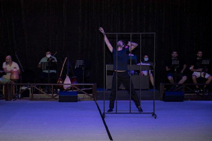Mersin Büyükşehir Belediyesi Şehir Tiyatrosu, perdelerini 2 Ekim'de açıyor