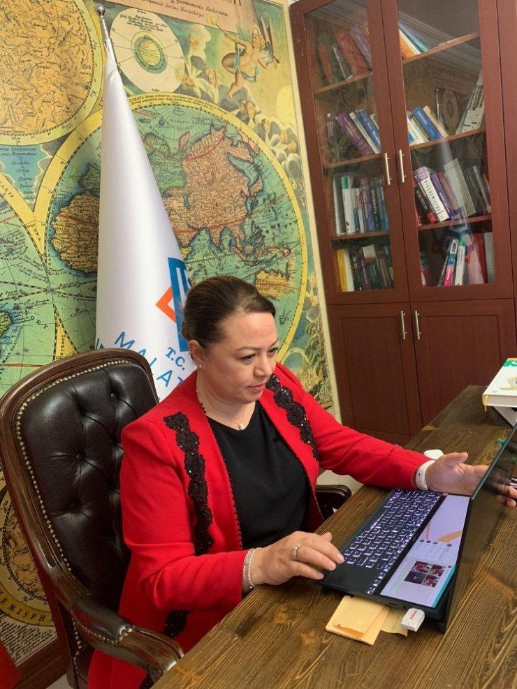 """Malatya'da """"Covid-19 Pandemisi ve Aşı Süreci İçin Güncel Yaklaşımlar"""" konulu e-panel"""