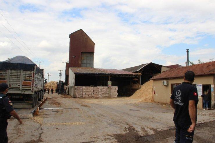 Orman ürünleri üretimi yapan fabrikada gaz bacasının koruma kapağı patladı