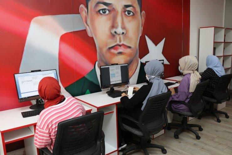 Sultanbeyli'de Tematik Bilgi ve Öğrenme Merkezleri EBA Destek Noktalarına dönüştürüldü