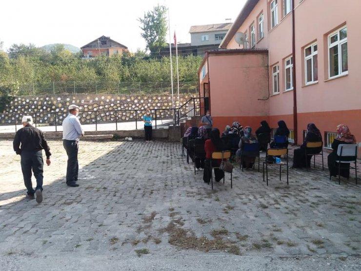 Yığılca'da köylü kadınlara eğitim verildi