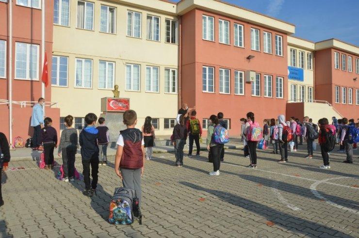 Orhangazi'de 1731 öğrenci ders başı yaptı