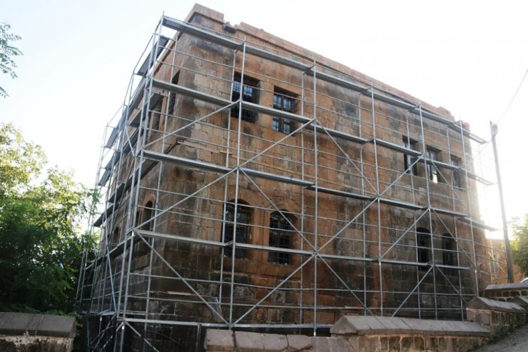 Bitlis'te 130 yıllık tarihi yapı, Fuat Sezgin Kültür Evi olarak onarılıyor