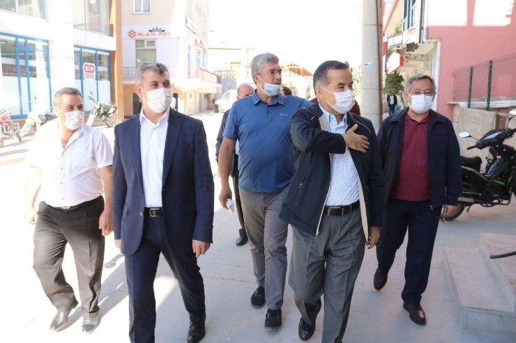AK Parti heyeti ilçelerde vatandaşlarla buluştu