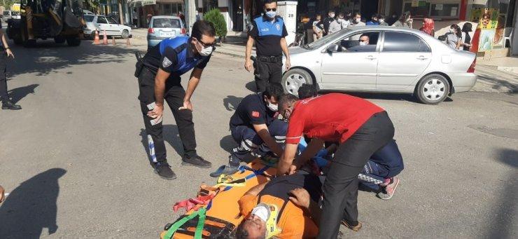 Motosiklet ile kamyon çarpıştı: 1 yaralı