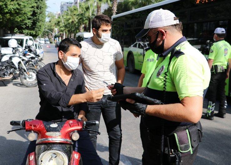 Polis dezenfektan sordu, taksici tıraş losyonu gösterdi