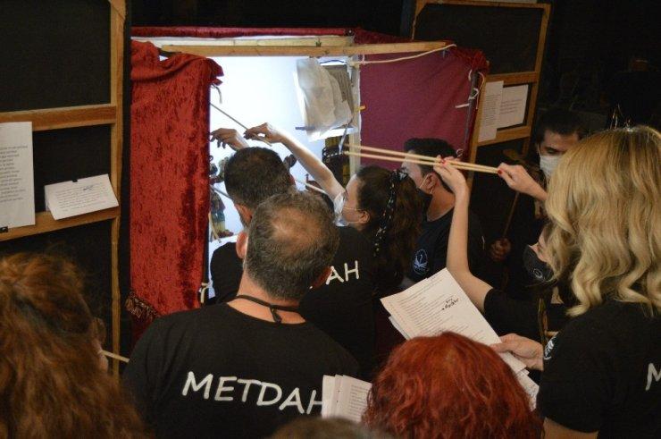 Öğretmenler Karagöz ve Hacivat gölge oyunu eğitimi aldılar