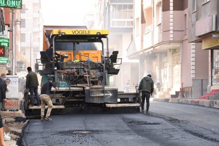 Tatvan Belediyesinden asfalt çalışması