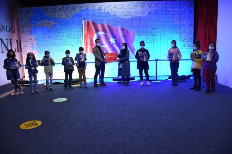 Bilgi Evi öğrencileri Dijital Gösterim Merkezini gezdi