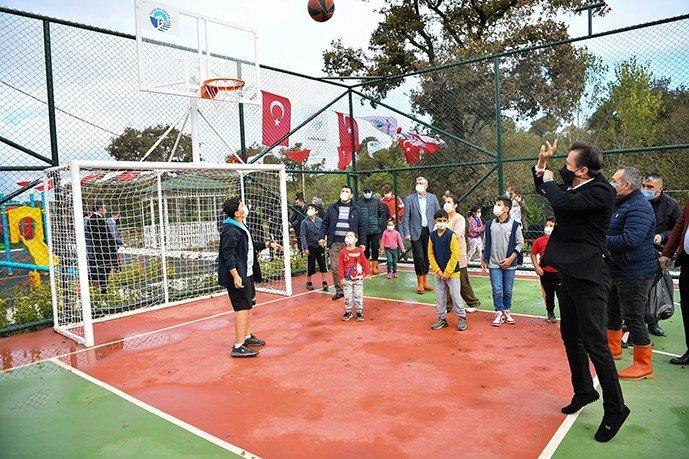 Tuzla Belediyesi 600 adet fidan dikti