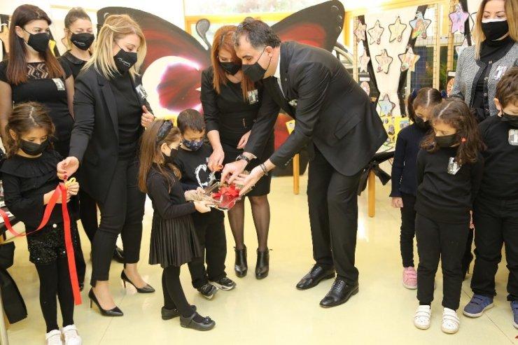 GKV'li miniklerin Atatürk resim sergisine büyük ilgi