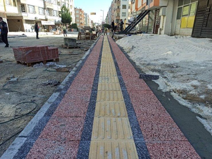 Büyükşehir Belediyesi, Tarsus'un mahallelerini asfaltlamaya devam ediyor