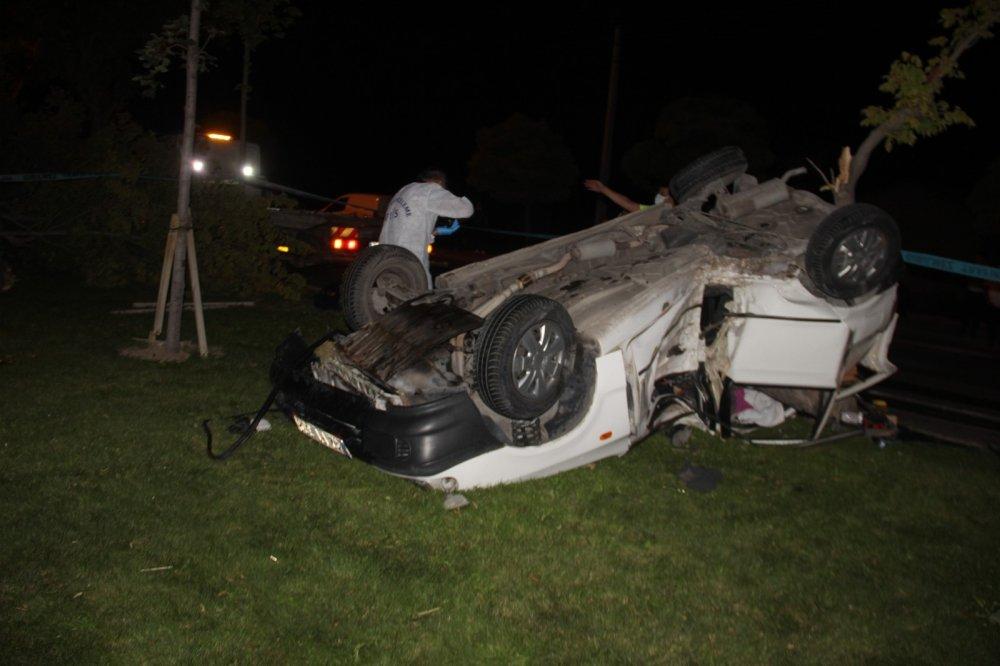 Konya'da kontrolden çıkan araç takla attı! Emre Tapur olay yerinde can verdi